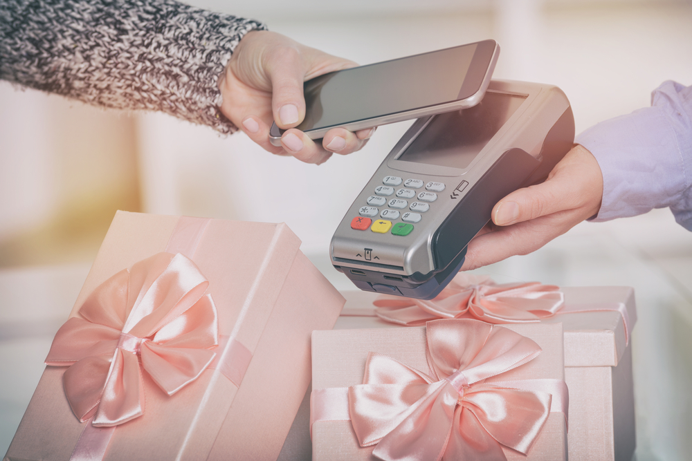 Why Consumers Need Contactless Payments Now